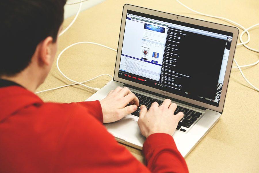 aprende a programar gratis con codecademy